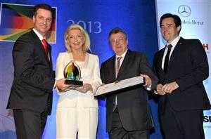 Maria-Elisabeth Schaeffler recebendo o Prêmio da Personalidade Brasil-Alemanha 2013